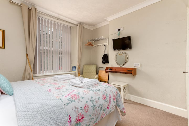 Twin/Double room centre of windermere