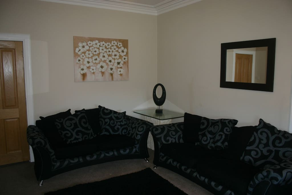 Living room deluxe damask sofa.