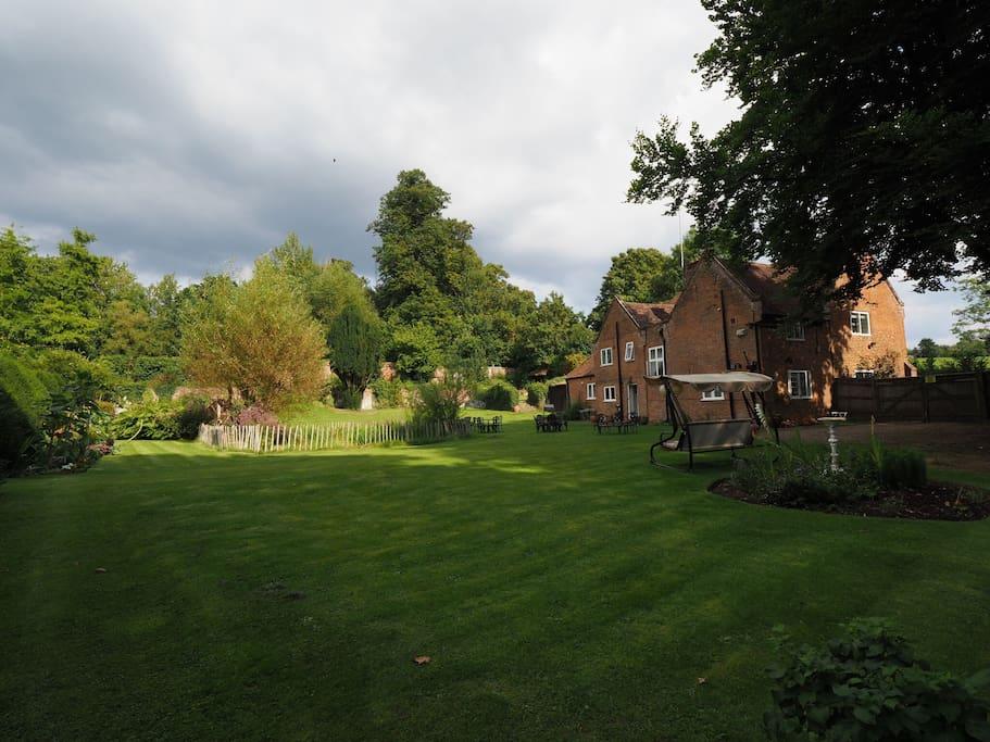 Expansive garden