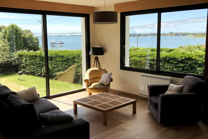 Villa rénovée à neuf vue mer sur Golfe du Morbihan