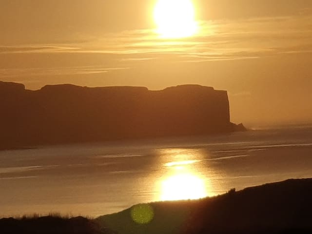 Skye sea & ben views- 20min Portree or beach! Rm 2