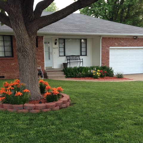 Conveniently Located house! - Tulsa - House