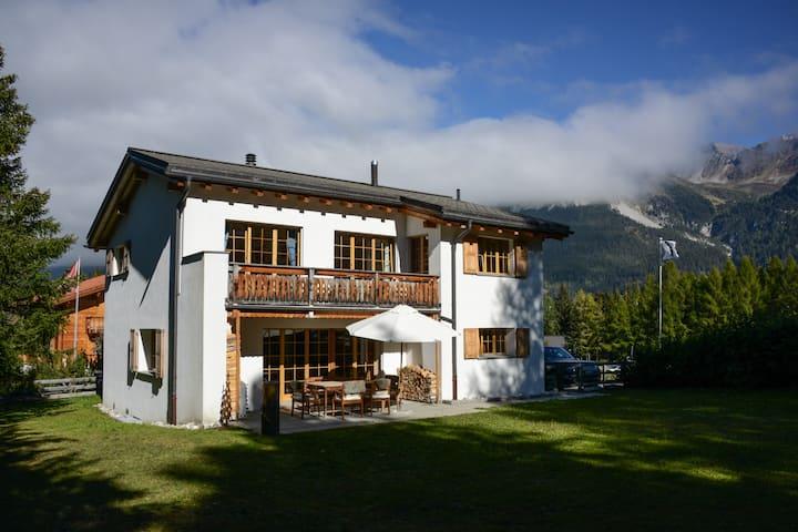 Dream house Guarda Munt - Cottage in best location