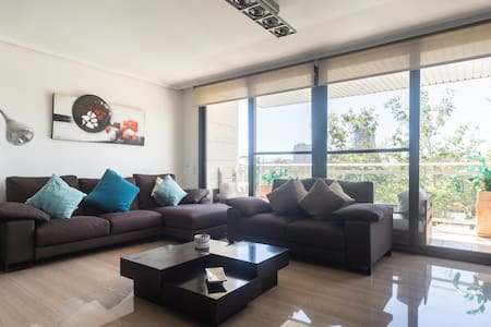 LUXURY APARTMENT IN CITY OF ARTS AND SCIENCES