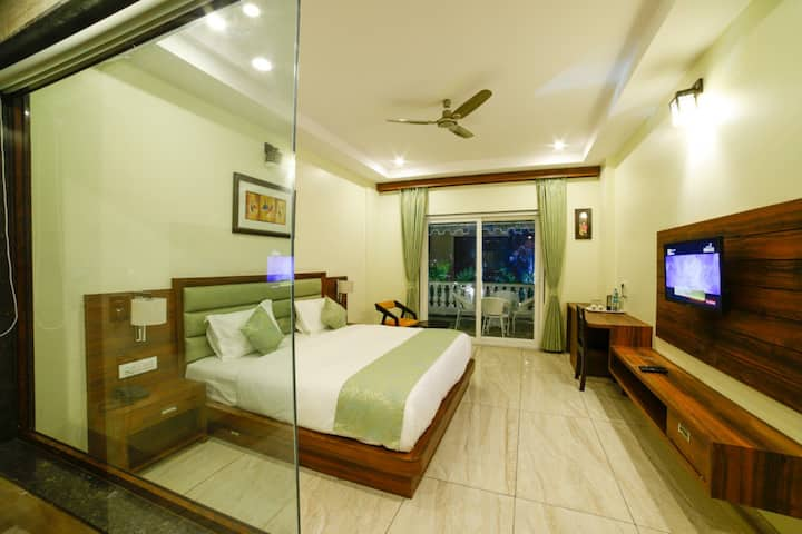 Snazzy rooms near Pushkar lake