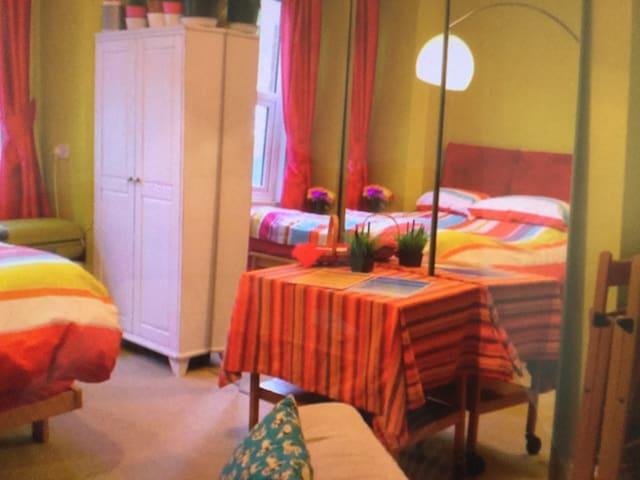 Large bright kingsize bedroom