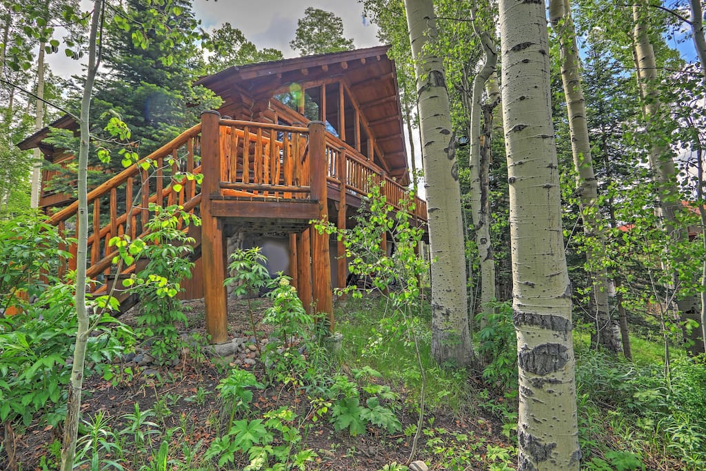 You'll love this location surrounded by Aspens.