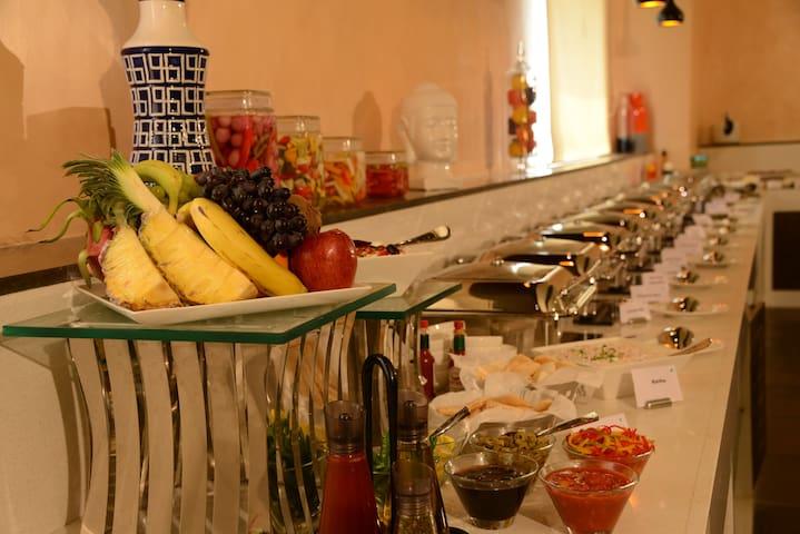 BLU IRIS HOTEL-CHENNAI - Chennai - Bed & Breakfast