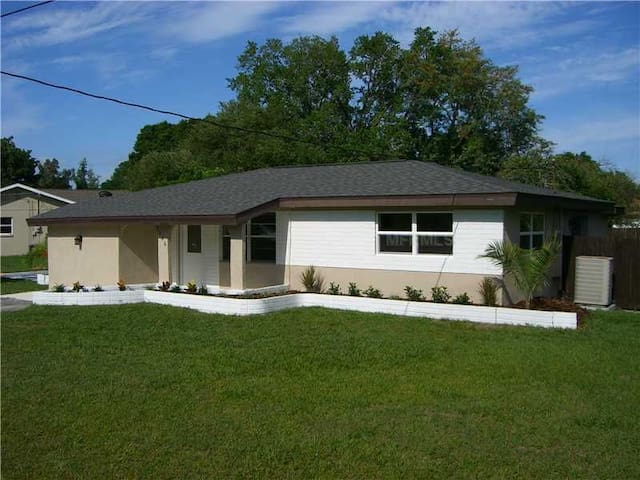 Renovated 3 Bedroom Pool Home Close to Siesta Key - Sarasota - Hus