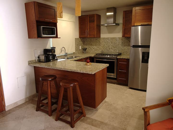 Condo Studio Close to the Sea with Parking Lot