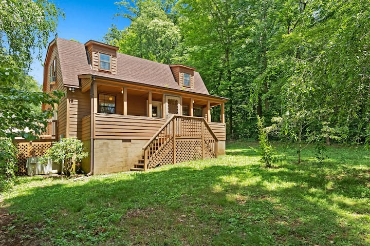 Dog-friendly home w/ a large deck, boat slip, & private parking