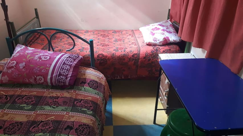Double room shared bath (1)
