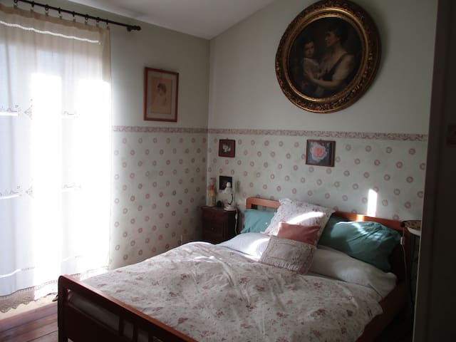 Tranquilla stanza romantica - Montevirginio - Casa