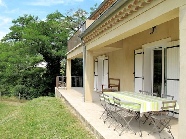 Holiday home in Chirols - Chirols - Huis