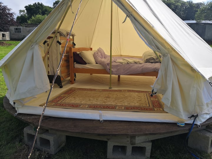 Bellamor:  Charming bell tent in idyllic Cotswolds