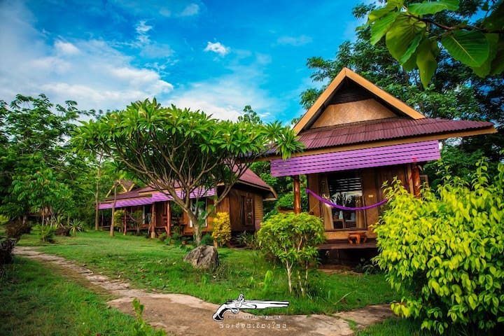 Thai Style Bungalow & Mountain View - Mae Hong Son - Cabaña en la naturaleza