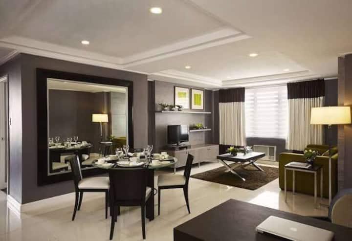 Ortigas, Astoria Plaza Hotel * 4adults + 2Kids