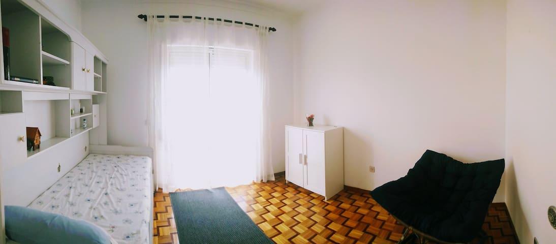 Single Room - 2 beds