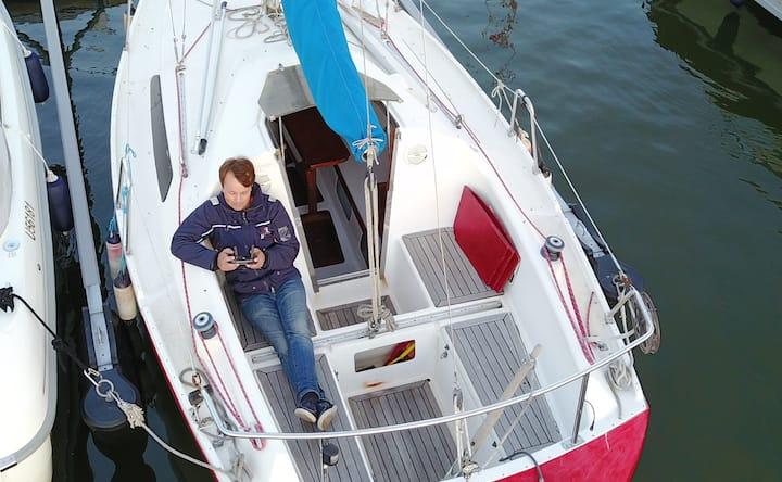 Helmsman 23 Sailing Boat