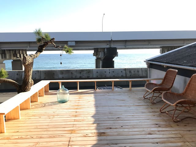 Beach Side House in Fuji-View town!