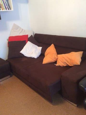 Sofa- Übernachtung - Saalfeld/Saale - บ้าน