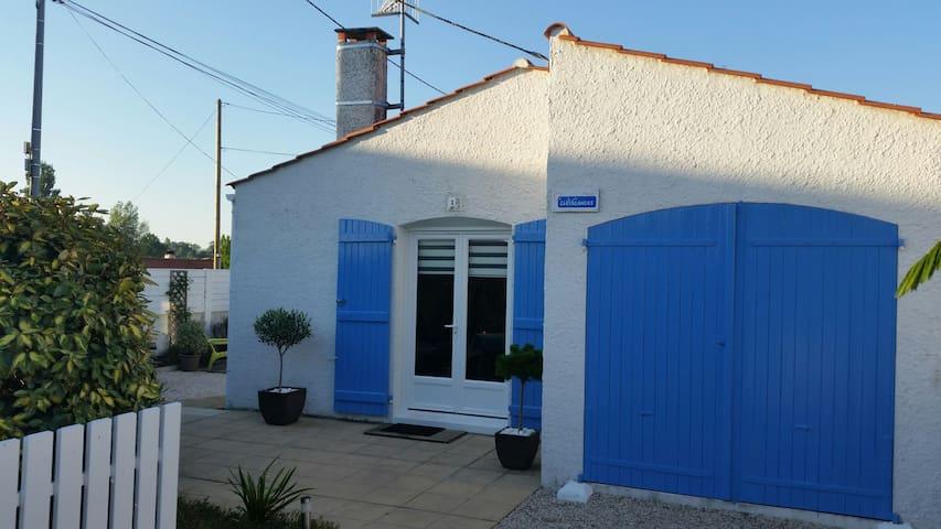 Petite maison pas loin de la plage - La Tranche-sur-Mer - Casa