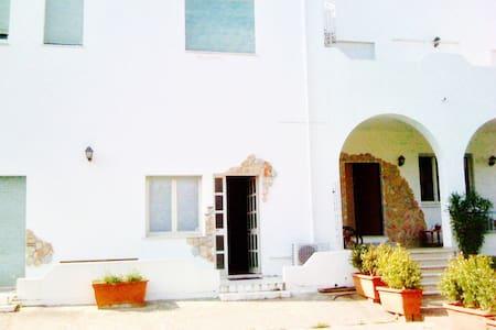 Splendida villa a mare con pineta - Catanzaro