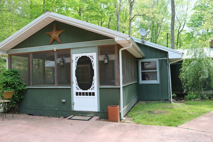 Trillium Trail Cabin in Hocking Hills, OH