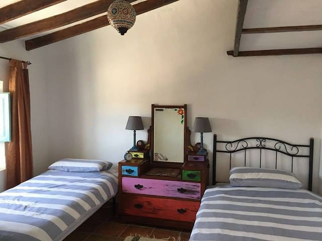 Twin Room in Cortigo - Aljariz - Bed & Breakfast
