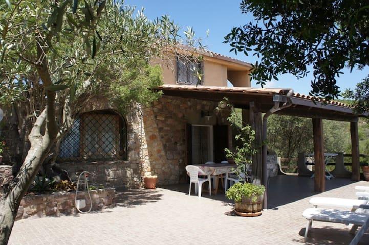 Villa Maladroxia vista mare - Sant'Antioco - Casa