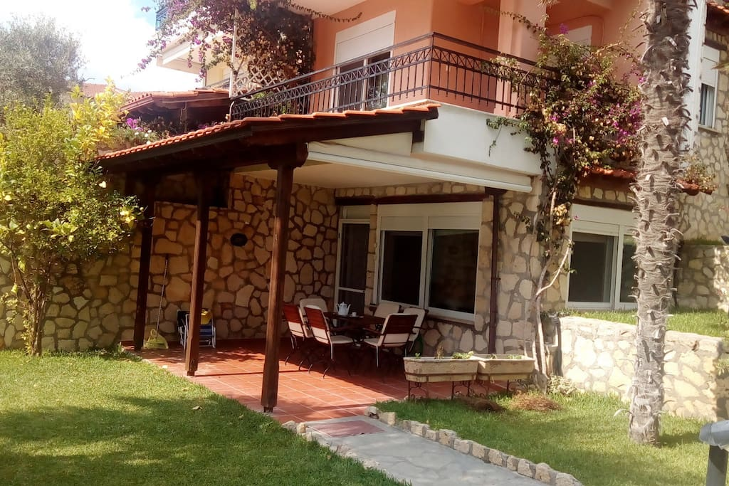 Elite cottage overlooking the sea on the beach sd1 for Planimetrie del cottage del cortile