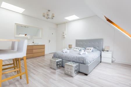 Best flat Champs Elysées - Paris - Wohnung
