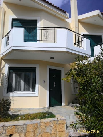 Near the sea only 80.0 meters - - Kantia
