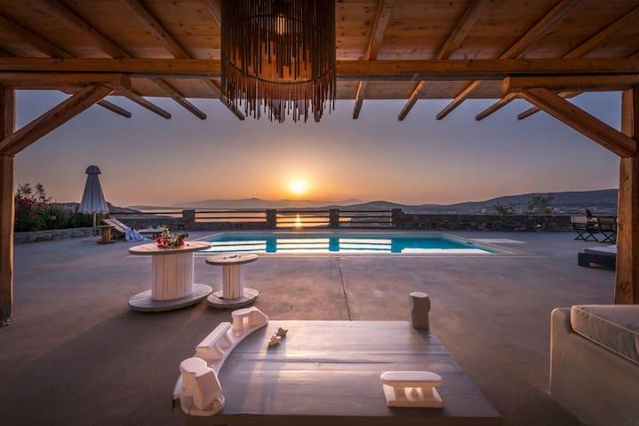 Villa Elxi, 6 bedroom luxury beach villa with pool