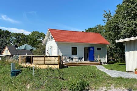 Nybyggd, luftkonditionerad stuga