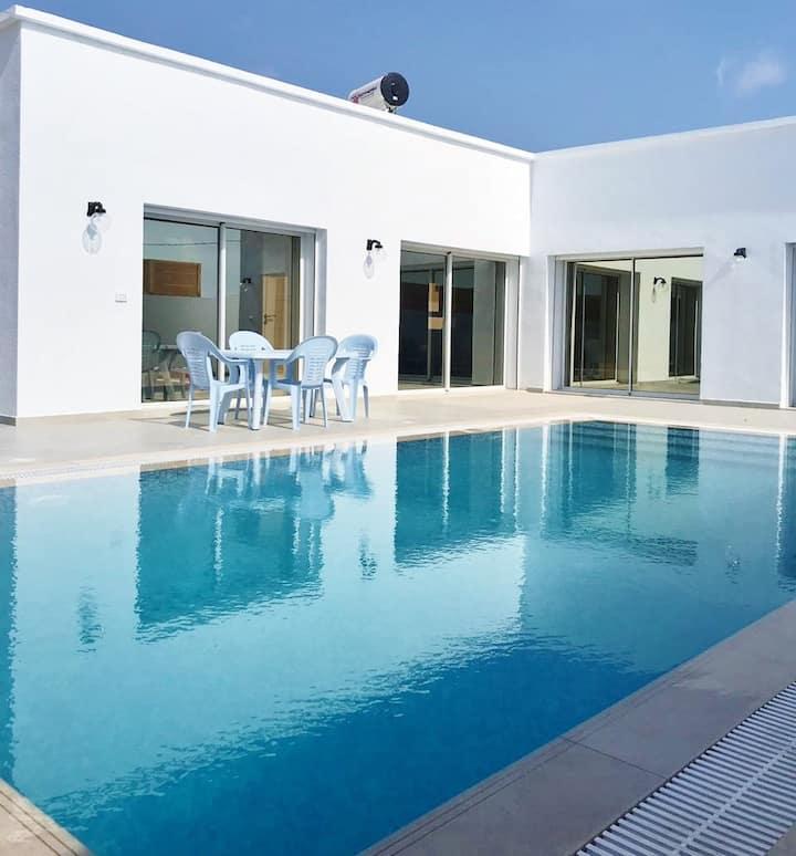 "Villa""DAR JAMILA""piscine100% sans vis à vis Djerba"