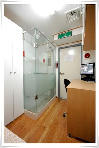 (Only Female)Private Room(window facing the aisle) - Gangnam-gu - Guesthouse