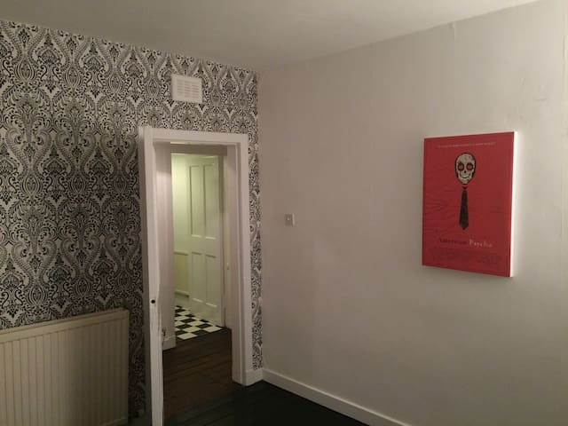 Whole 2 bedroom West End flat. - Glasgow - Apartment