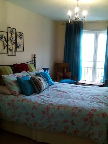 Large Bedroom with Ensuite bathroom - Dalkeith - Bed & Breakfast