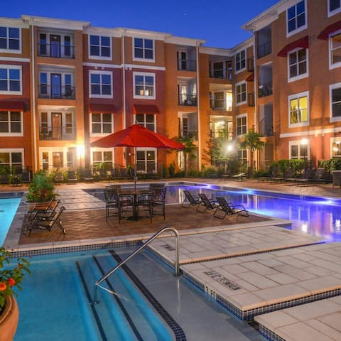 Upscale Apartment at Prime Location - Frisco - Lejlighed