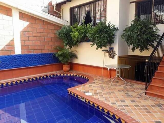 Hermosa Casa Colonial con piscina privada!