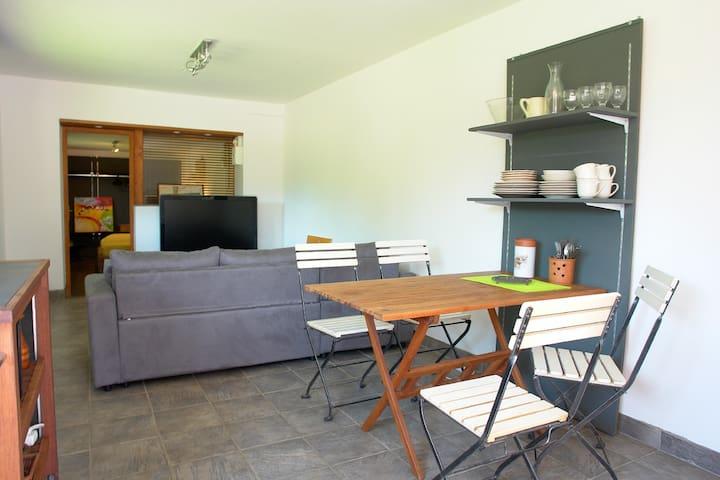 TRESSERVE T2 rez de jardin indépendant dans maison