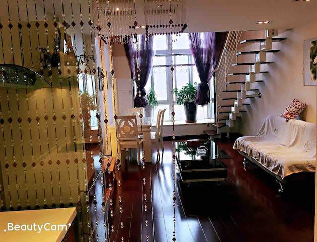 【万象国际】loft公寓、近地铁、贵阳火车站、二七路小吃街。