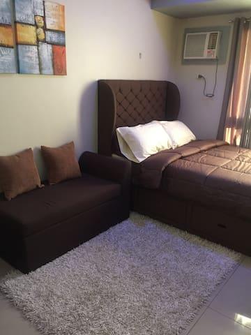 Clean Cozy Modern Resort Condo Unit in Makati CBD