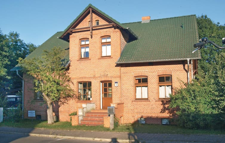 Holiday apartment with 2 bedrooms on 60 m² in Storkow OT Selchow