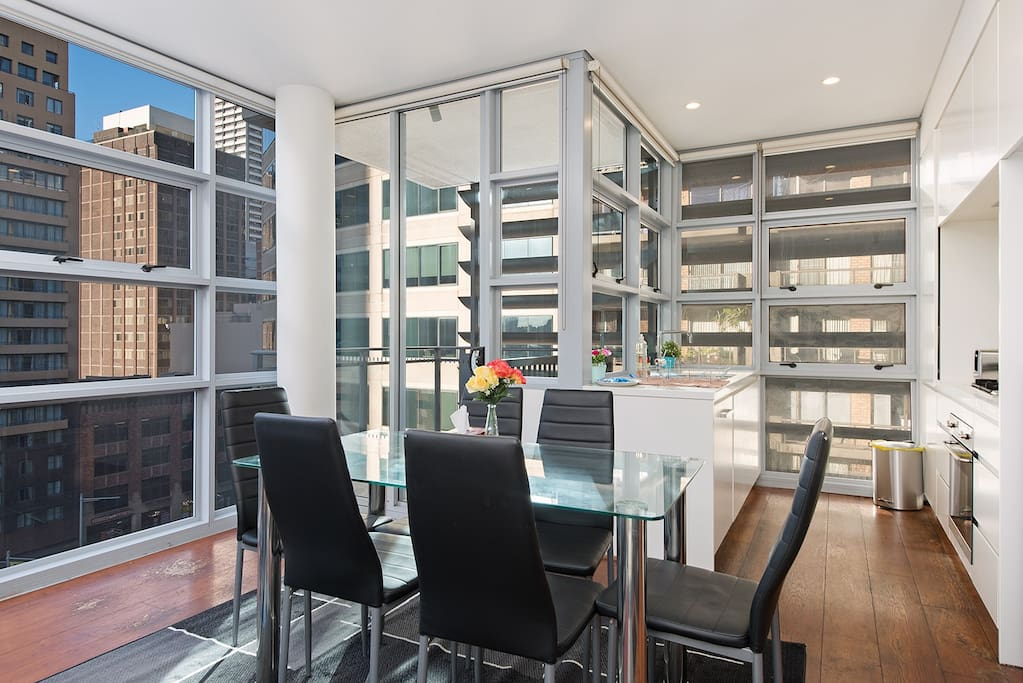 let 39 s stay in cbd 2br next to darling harbour icc wohnungen zur miete in sydney new south. Black Bedroom Furniture Sets. Home Design Ideas