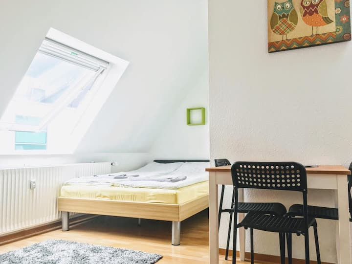 Studio - Apartment Green