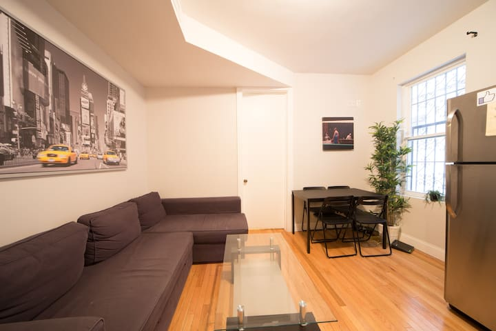 Brooklyn Budget Room 20 min to Manhattan! - Brooklyn - Appartamento