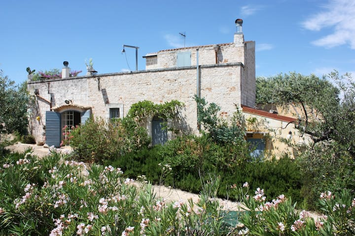 Masseria Landolina Puglia with private pool - Castellana grotte - Casa de camp