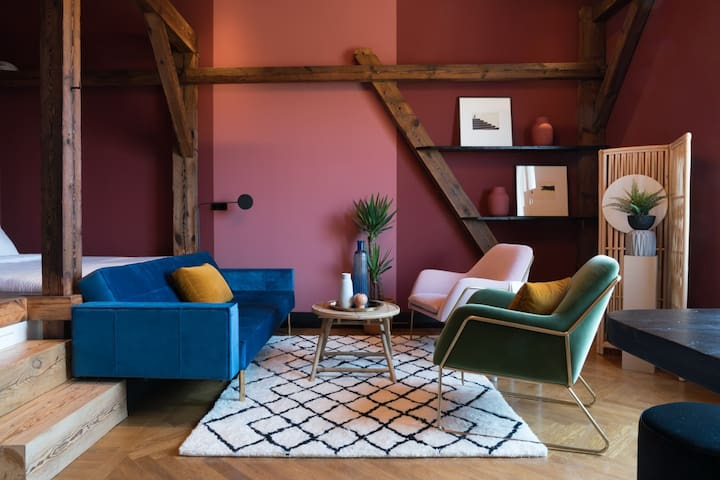 Tropical oriental studio flat in Berlin Mitte